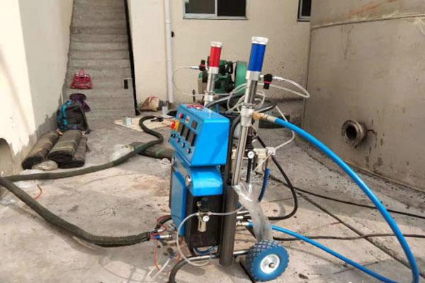 哪种喷涂材料更加适合聚脲喷涂机设备施工?