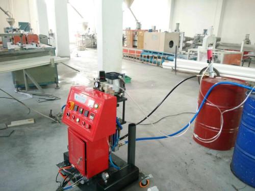 pvc热水管夹层聚氨酯浇注保温