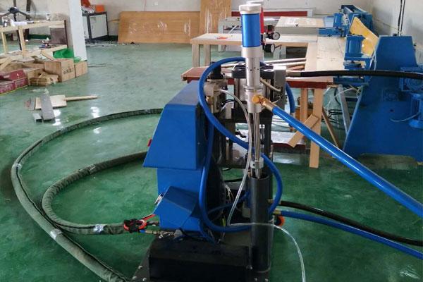 小型聚氨酯发泡机发泡原理及应用分析
