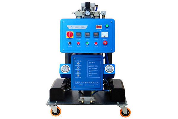 Q2600小型聚氨酯发泡机设备
