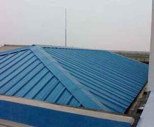 养殖场顶棚保温聚氨酯喷涂机施工案例