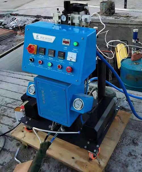 Q2600聚氨酯喷涂机
