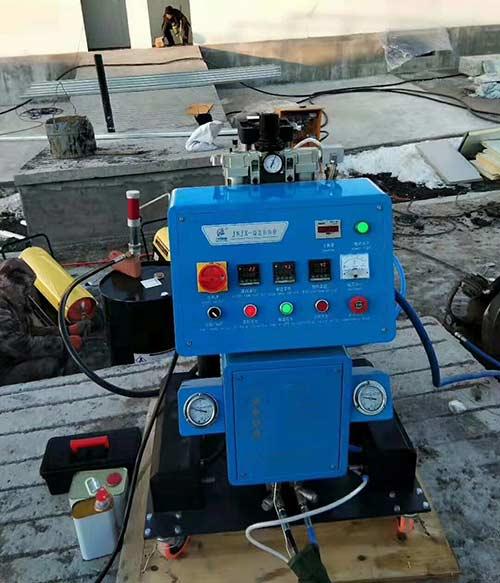 Q2600聚氨酯发泡机