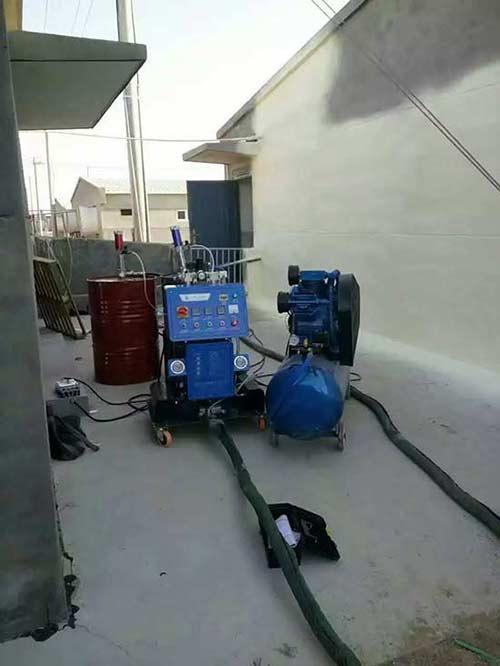 Q2600聚氨酯外墙保温材料喷涂机