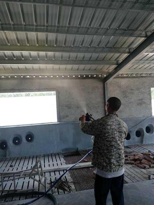 养殖场顶棚聚氨酯喷涂案例