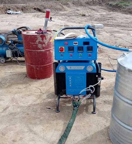 Q5200聚氨酯喷涂的机器