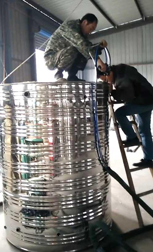 太阳能水箱浇注 聚氨酯喷涂机厂家