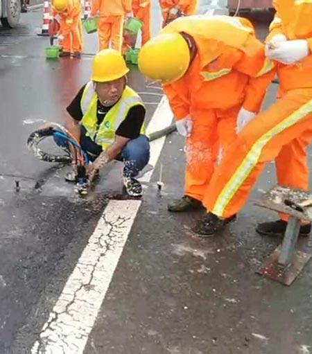高压注浆机沥青路面灌缝