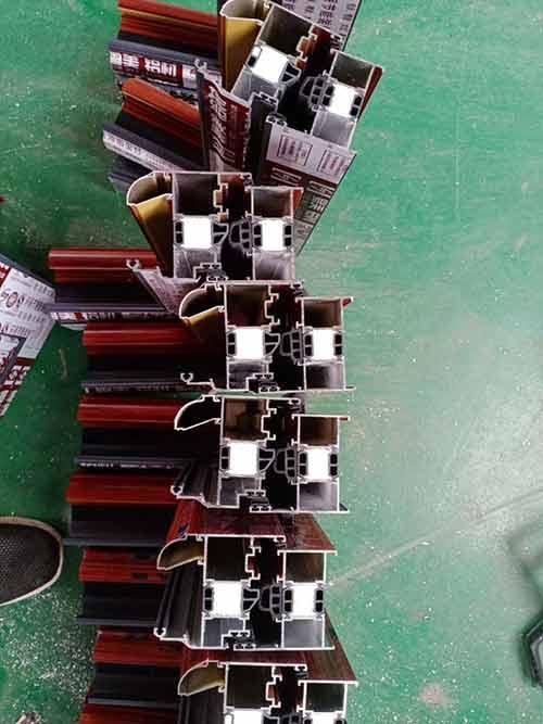 浇筑断桥铝型材定量聚氨酯发泡